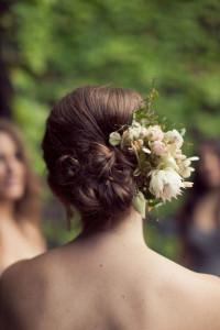 svadobný účes s kvetmi 12