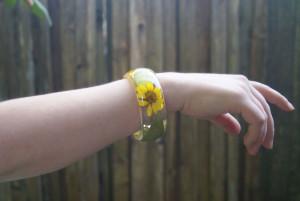 Náramok z kvetov