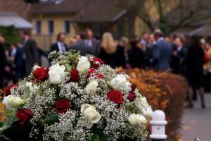 Smútočný veniec na pohrebe