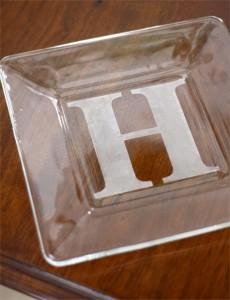 Pekáč s iniciálkami